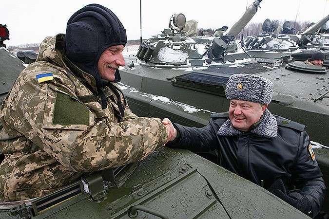 Порошенко выдал старое советское оружие за новейшие разработки оборонпрома Украины