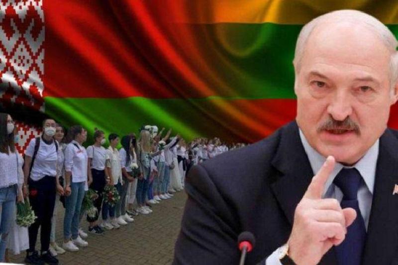 Атака мигрантами, а потом грузовики: Лукашенко нашел новый способ наказать Литву