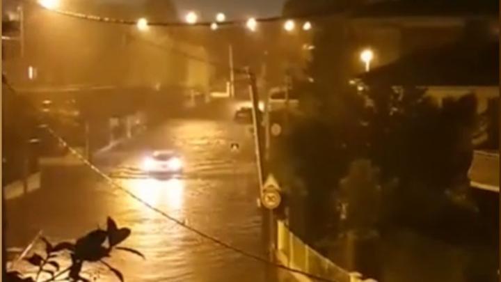 На Францию обрушился сильный шторм и небывалые осадки