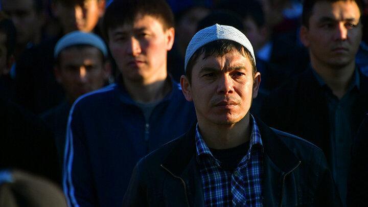 С мигрантами в России нужно что-то делать. Пока они не сделали что-то с нами
