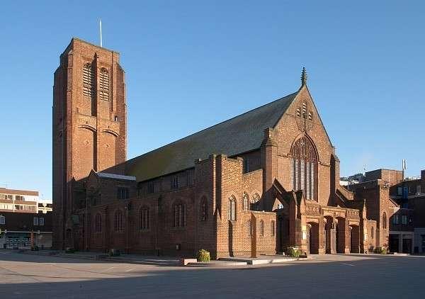 «Закат Европы»: церкви - на продажу под супермаркеты, бары и катки