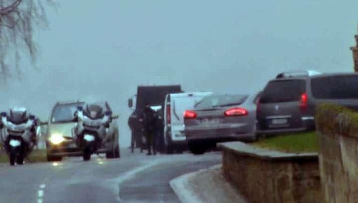 Спецоперация на севере Франции: полиция пытается задержать братьев Куаши