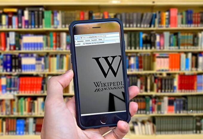 Как Википедия превратилась в инструмент западной пропаганды