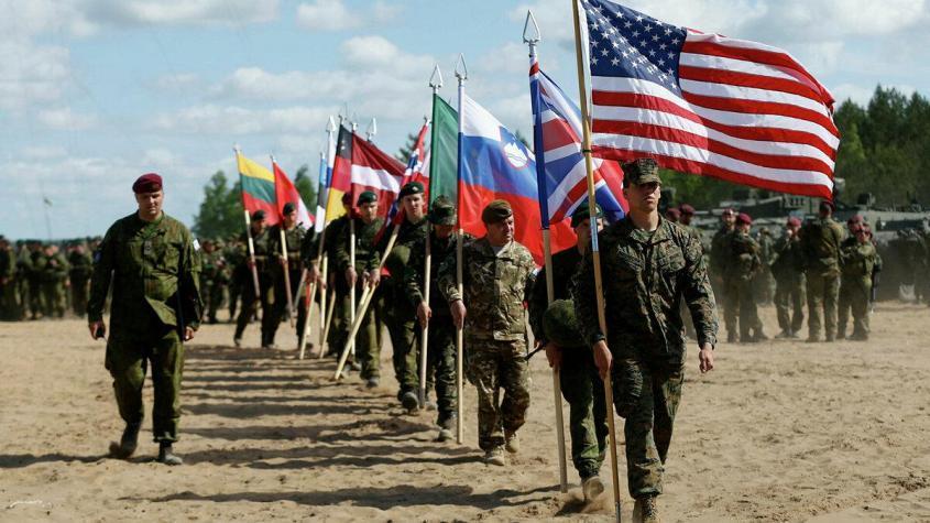 «Макрон делает всё для развала НАТО» – Британия и США обвиняют «обидчивого» француза