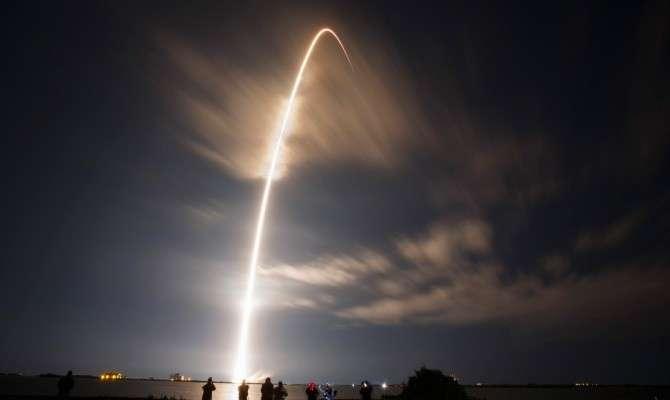 Ракета Falcon 9 совершила жёсткую посадку на платформу в океане