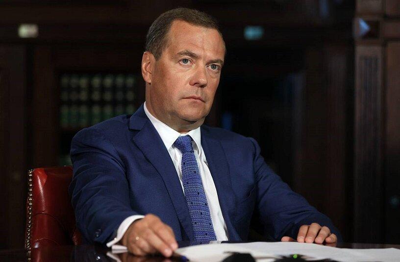 Что означает статья Дмитрия Медведева об Украине