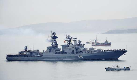 Русские военные «передали привет» премьеру Японии | Русская весна