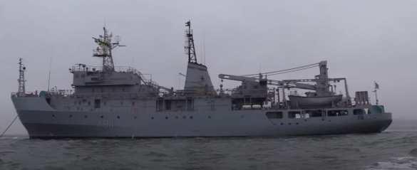 Украинский военный корабль получил повреждения и тонет в Чёрном море | Русская весна