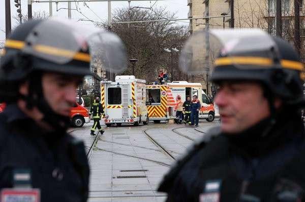 Пять человек, задержанных в связи с терактами в Париже, освобождены
