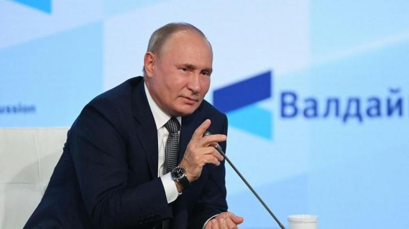 Путин: надо совершенствовать инструмент вступления в гражданство соотечественников