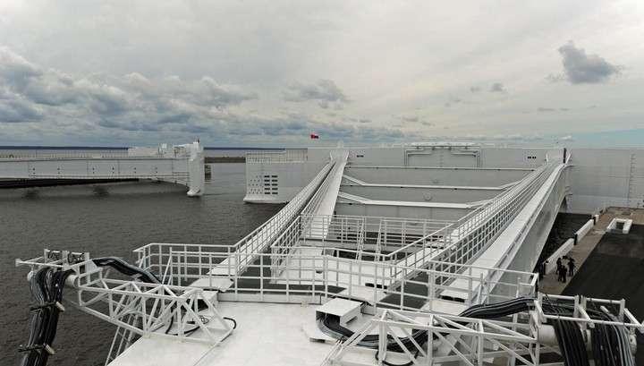 Петербургская дамба закрылась из-за быстрого подъёма воды