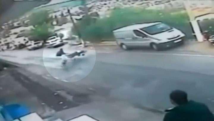 Житель Турции спас летевшего в пропасть ребёнка
