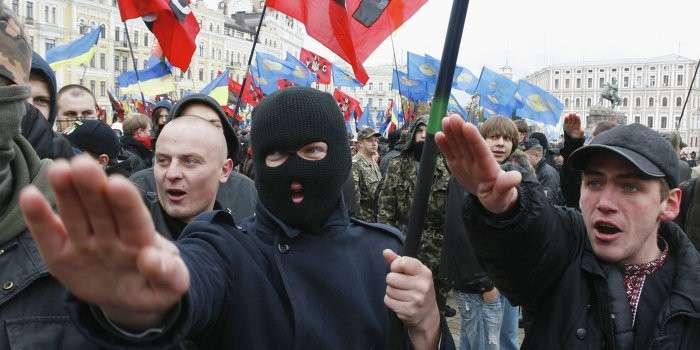 «Правый сектор» включили в перечень экстремистских организаций