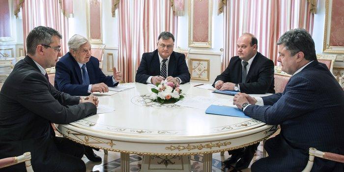 Сорос обманул: Американский бизнес избавляется от активов на Украине