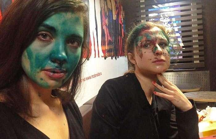 Петиция: Лишить гражданства РФ участниц группы Pussy Riot, Толоконникову и Алёхину