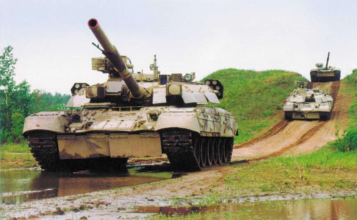 Самооборона Луганска: на город идут танки