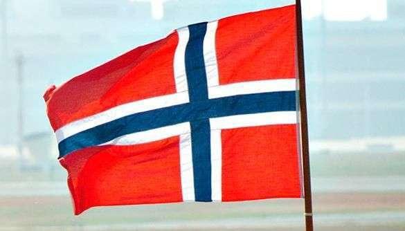 Берн Нистад: Норвегия впала в антироссийскую истерику. норвежский флаг