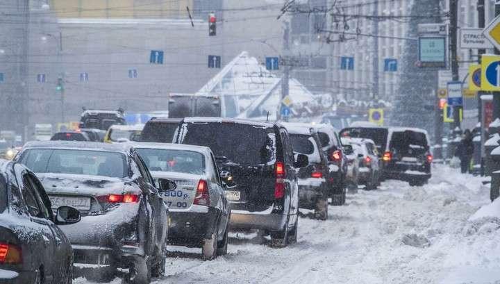 Снегопад в Москве продолжается