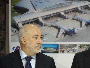 Вексельберг перевёл аэропорты из офшора в Россию