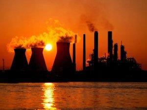 Промышленность растет вопреки. Чем поможет правительство