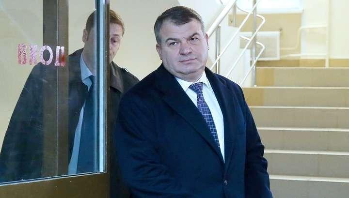 Прокуратура продолжает цепляться к Анатолию Сердюкову