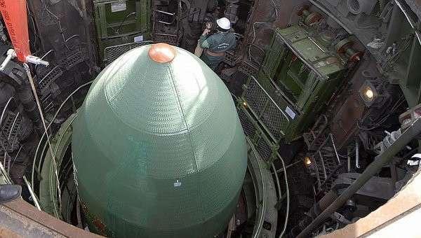 Подготовка к запуску ядерной ракеты. Архивное фото.
