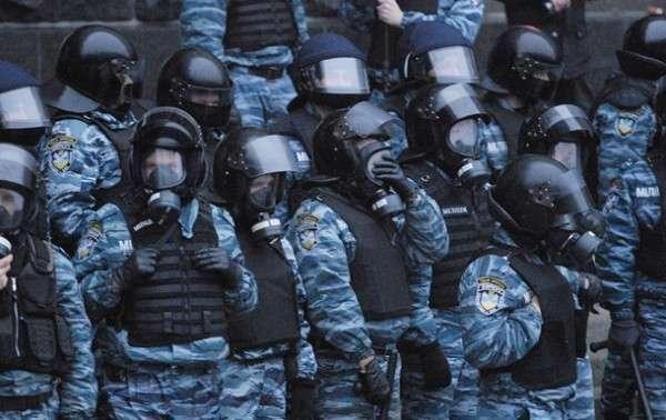 В Донецке иностранные наемники блокируют базу Беркута
