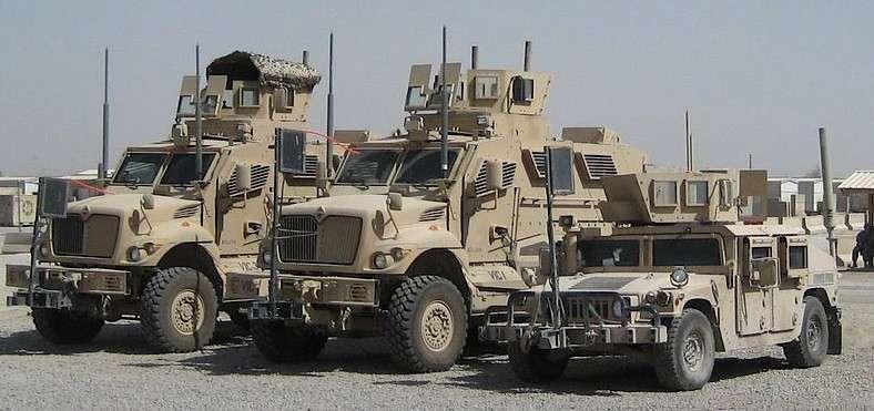 Для Узбекистана США бронеавтомобили нашли, для Укрианы НЕТ