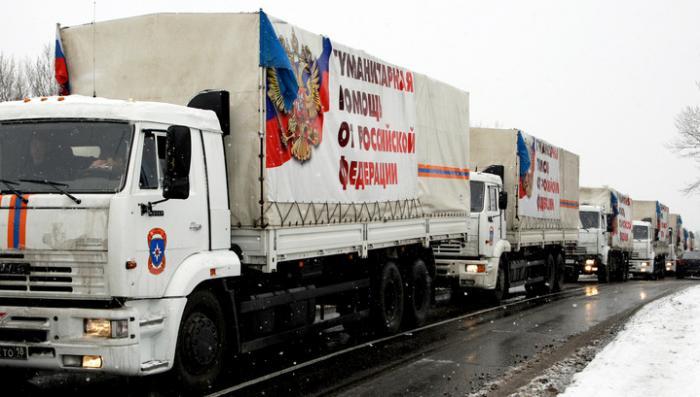 Российский гуманитарный конвой выдвинулся в сторону границы