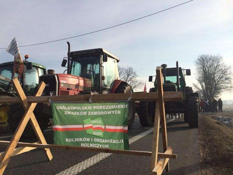 Протесты в Польше: Варшава тратит 100 миллионов на Украину, но не платит своим фермерам