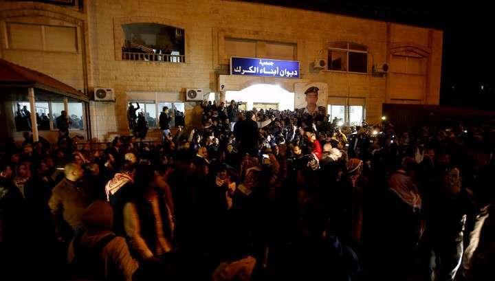 Иордания казнила двух исламистов в ответ на сожжение пилота