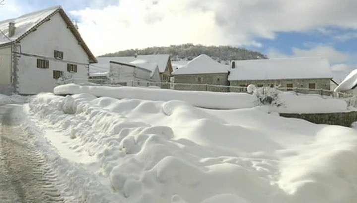 Мощный снегопад в Испании: жертвы, разрушения и проблема на АЭС