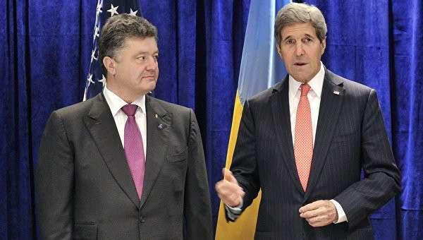 Керри прилетел в Киев спасать Порошенко от военного переворота?