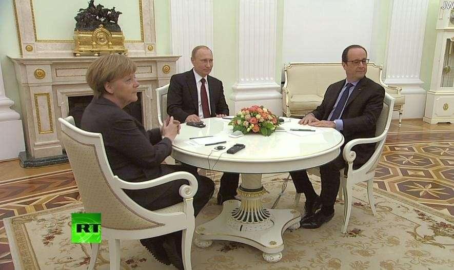 Владимир Путин проводит встречу с Ангелой Меркель и Франсуа Олландом