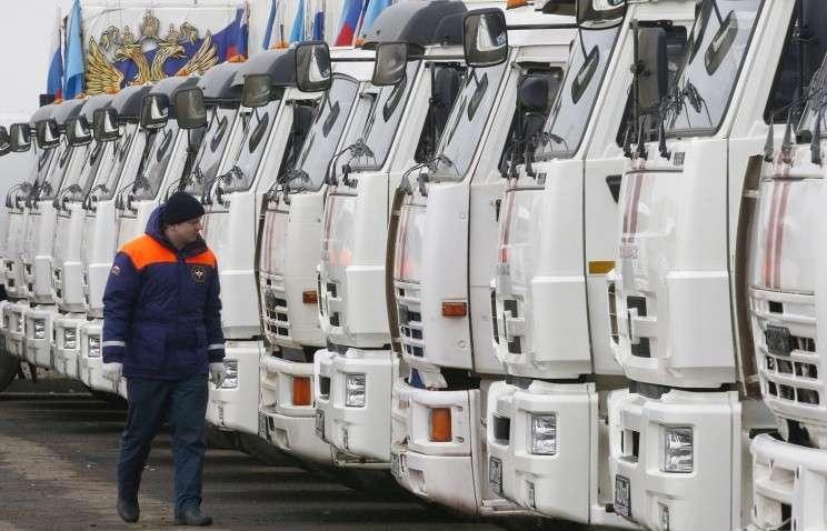 Гуманитарная колонна МЧС с помощью для Донбасса прибыла на  государственную границу