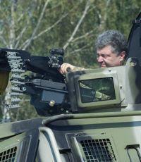 Порошенко выступает против введения миротворческого контингента
