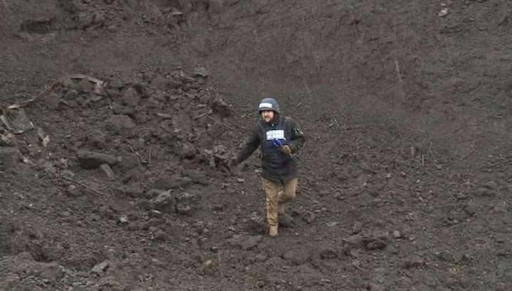 Обстрел химзавода в Донецке: съёмочная группа побывала на месте взрыва