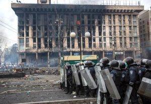 Активист майдана обвинил власти Украины в сокрытии 70 млн. гривен, перечисленных через СМС на нужды армии