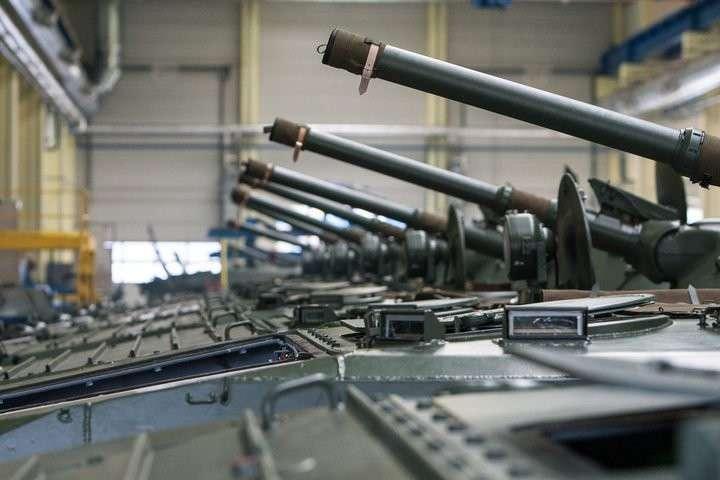 Чехия поставит Ираку танки Т-72 и боевые машины пехоты БМП-1