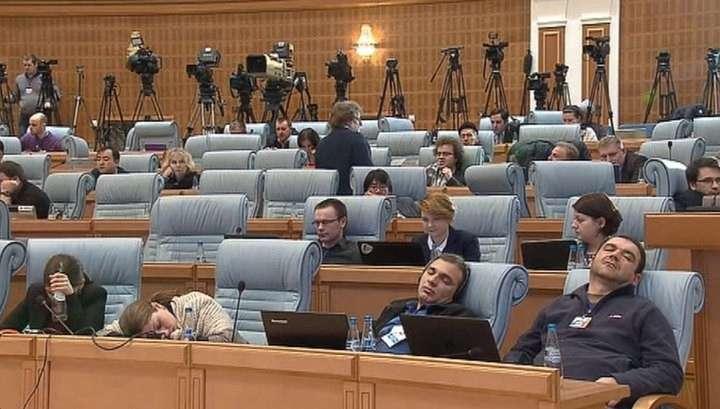 Лукашенко о бессонной минской ночи: кофе пили вёдрами, спиртное не пили