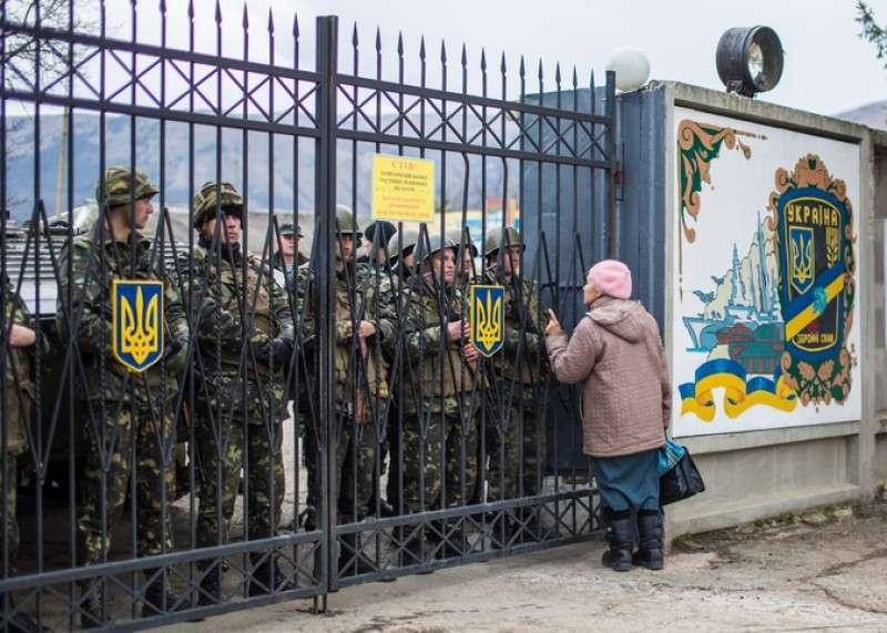 Украинские каратели расстреляли солдат ВСУ, которые намеревались сдаться ополченцам