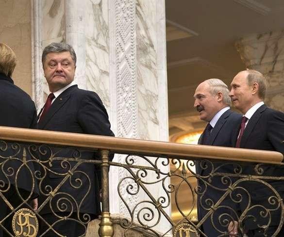 Порошенко в Минске боялся пинка под зад? ФОТО. Петр Порошенко