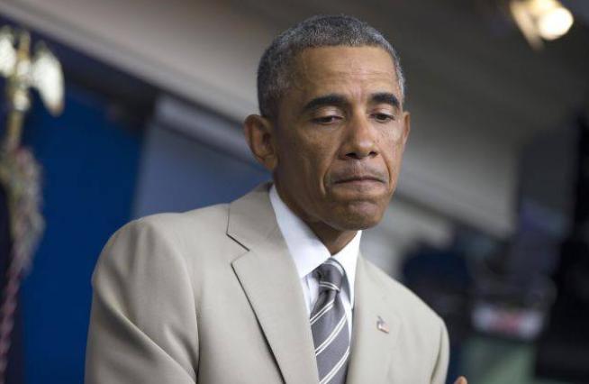 Обаму сняли кривляющимся перед зеркалом. 311582.png