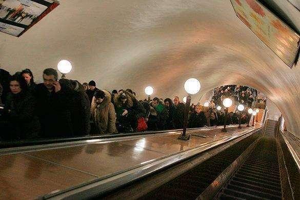 Собянин пересаживает московских чиновников с иномарок на метро. 311761.jpeg