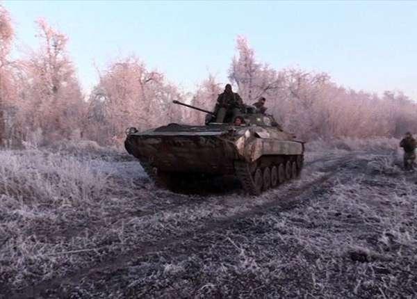 Бойцы «Азова» обстреливают поселок Широкино из танков и артиллерии