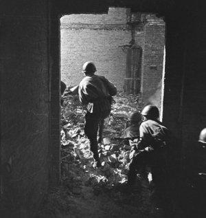 США убеждают японцев в том, что Хиросиму и Нагасаки бомбил СССР