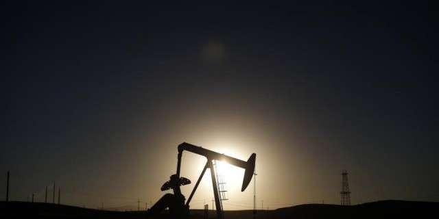 Нефтяной обрыв: новой нефти в США находят все меньше