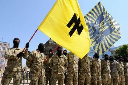 Бойцы батальона «Азов» принимают присягу в Киеве перед отправкой на Донбасс