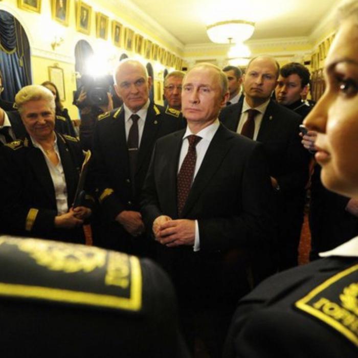 Владимир Путин провёл ликбез для школьников про Украину