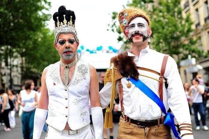 Украина. Параду Победы в Киеве предпочли гей-парад